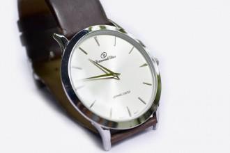 我有一只勞力士手錶,要典當要準備什麼?利息怎麼算?