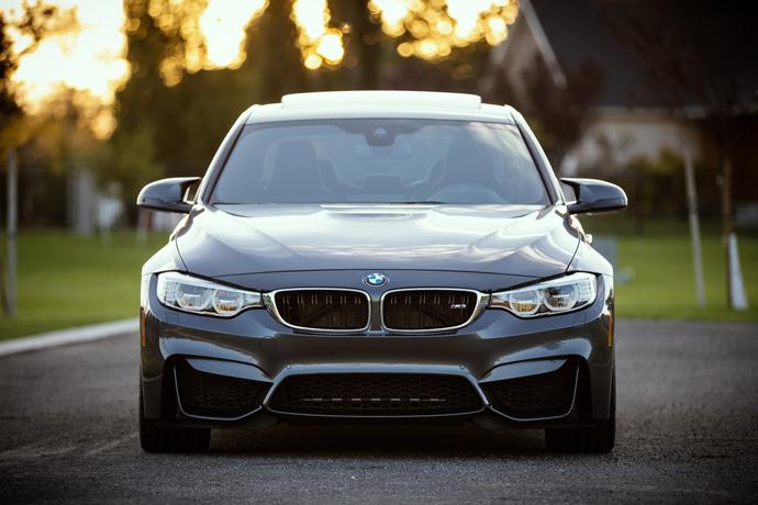 我現在有1台 BMW X3汽車,想用汽車借款借約20萬元左右,利息怎麼算?實拿20萬嗎?會不會扣保管費以及額外的費用呢?