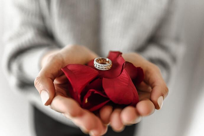 想賣黃金戒指、黃金項鍊,我該如何賣金飾?