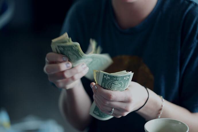 我需要快速借錢,有推薦可當日放款的店家嗎?