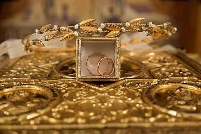 現在急需用錢能做黃金借貸嗎?台中黃金典當借款還有當鋪在做嗎?