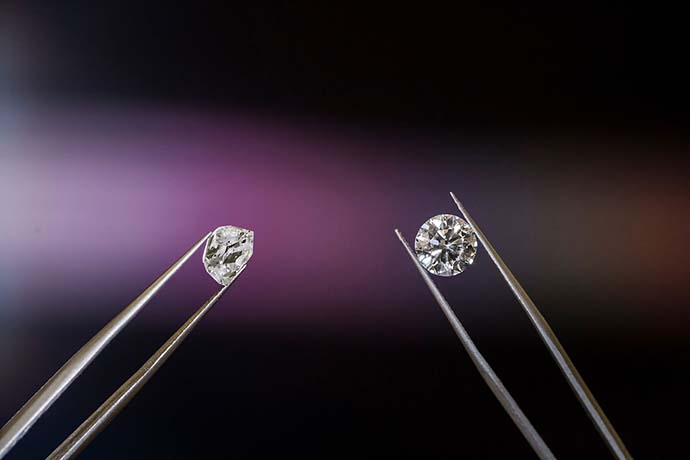 來當鋪當鑽石划算嗎?當舖鑽石回收價格怎麼算?